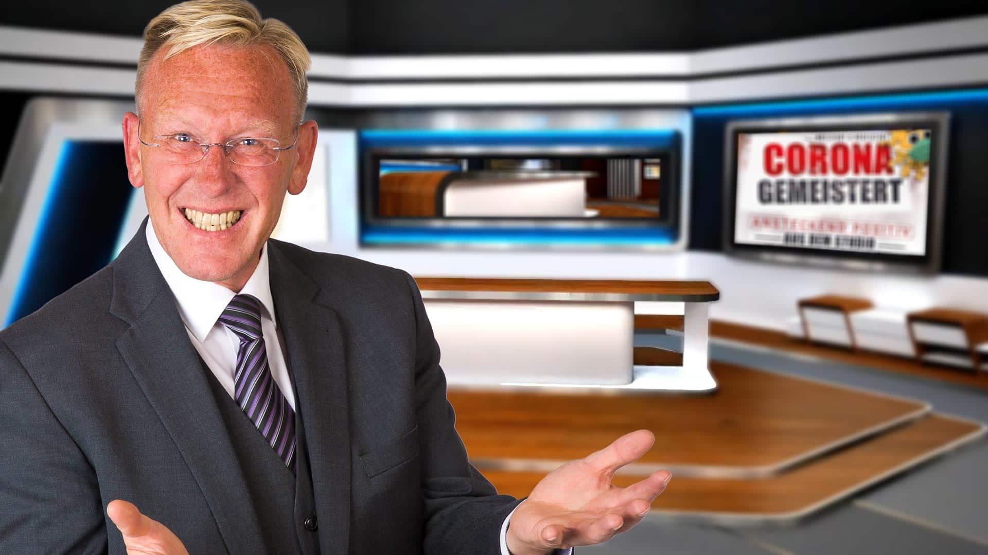 TV-Moderator Dirk Rabis Programmhinweis. TV-Studio der ExpertenTalkshow.